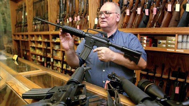 У США посилюються правила продажу зброї