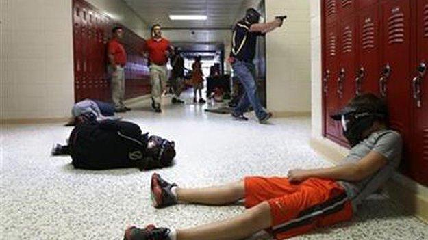 Влада Арканзасу згортає проект з озброєння і перекваліфікації шкільних вчителів в охоронців