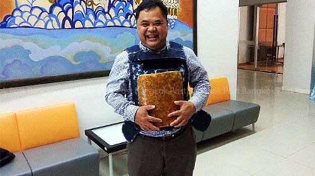 У Таїланді винайшли бронежилет з каучуку і коконів шовкопряда