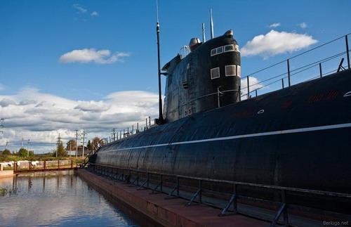 фонари подводных лодок