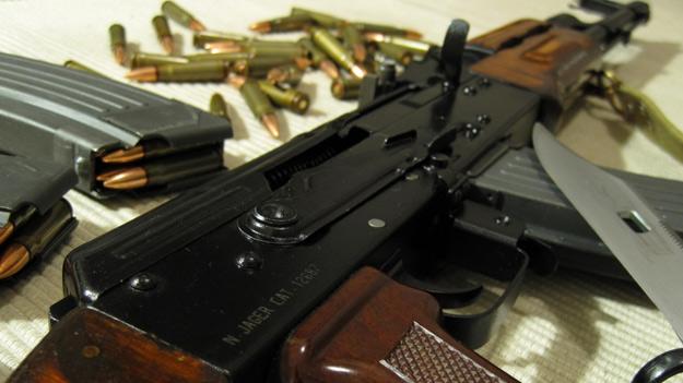На Херсонщині військовослужбовець-контрактник застрілився із автомата Калашникова