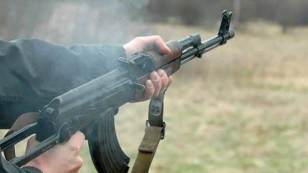 Российские пограничники открыли огонь по прорывавшемуся из ЛНР нарушителю.