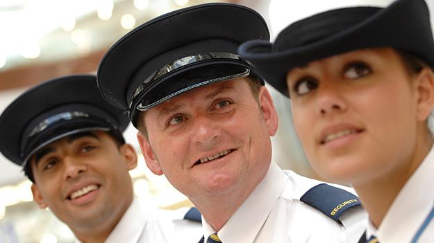 Британська асоціація охоронної індустрії випустила посібник про те, як зробити кар'єру в галузі приватної охорони
