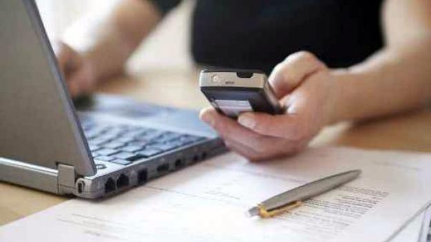 """Експерти: Нас очікує зростання інформаційних загроз, """"завдяки"""" мобільним гаджетам"""