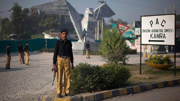 Приватні охоронці в Пакистані - маріонетки, які виконують роль сторожа