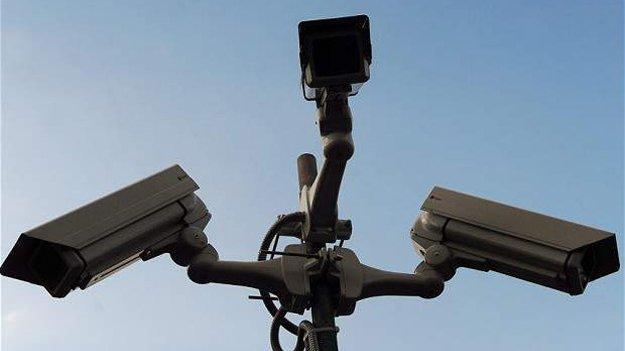 Влада Британії має намір заборонити своїм громадянам шпигувати за сусідами, використовуючи камери відеоспостереження