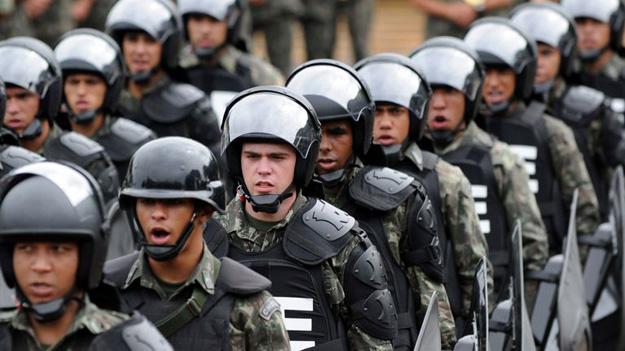 Власти Бразилии привлекут к охране Олимпиады-2016 60 тысяч охранников