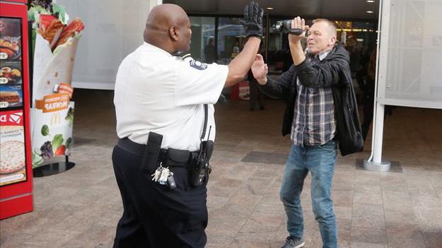 Охоронці федеральних відомств США не готові протистояти активним стрільцям