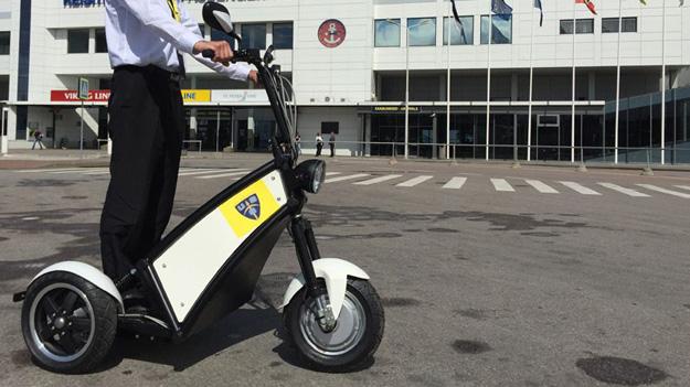 В Естонії приватні охоронці тестують триколісні електровелосипеди