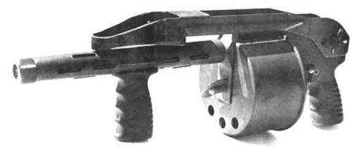 striker. ствол 12 дюймов, есть заводной ключ на барабане