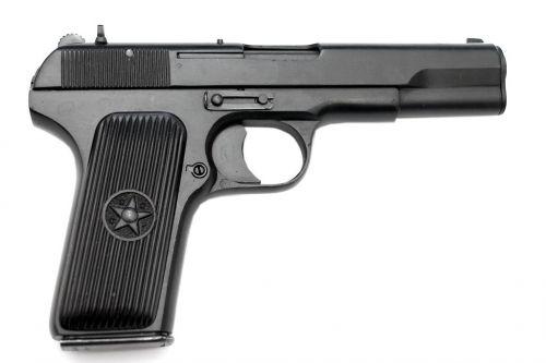 """За основу пистолета сигнального модели  """"ТТ-С """" под капсюль-воспламенитель  """"Жевело """" взят самозарядный 7.62 пистолет  """"ТТ """"..."""