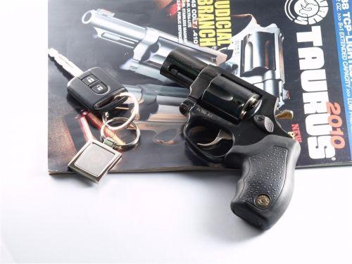 Травматический револьвер taurus lom 13