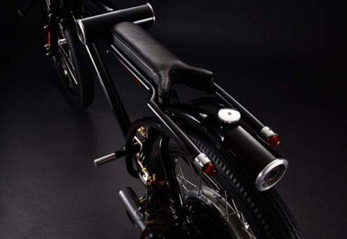 Японський дизайнер розробив мотоцикл - охоронець